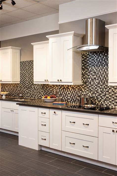 kitchen cabinets to go reviews malibu white shaker kitchen cabinets traditional