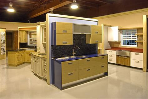 Kitchen Cabinet Showrooms by Possible Fixture For Cabinet Displays Work Display