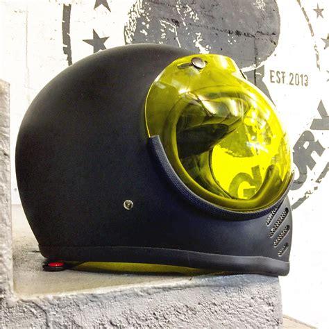 Motorrad Fahren Ohne Helm Strafe by 10 Days The Sun Guts Boxclub