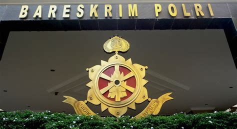 Jual Pisau Komando Semarang jual tongkat komando dari gading gajah seorang pedagang diamankan bareskrim jawapos