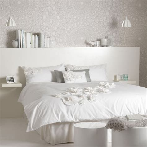 White Bedroom On White And Lace Bedroom Bedroom Colour Schemes