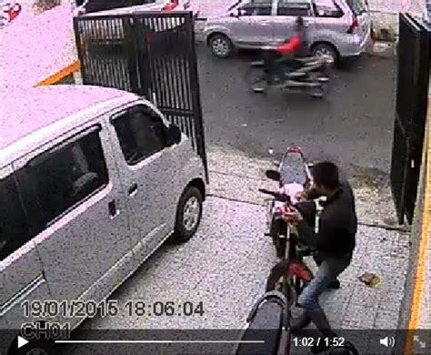 Lu Projie Untuk Cb150r pencurian sepeda motor terekam di cctv honda cb150r raib dalam 1 menit 171 ridonesia