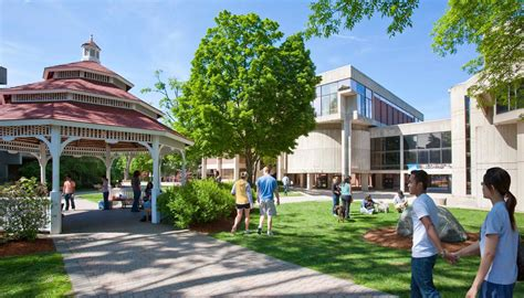 Umass Lowell Mba Curriculum by Undergraduate Admissions Umass Lowell