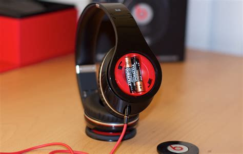 Headphone Beat review beats studio by dr dre and noise canceling headphones paulstamatiou