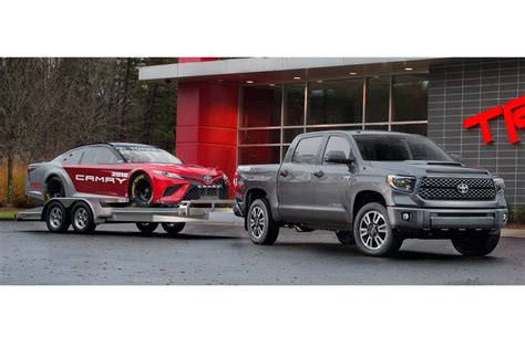 toyota trd tundra 2018 toyota tundra sequoia refreshed debut new trd sport