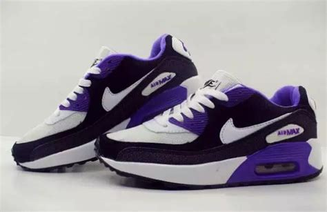 Nike Zoom Sneakers Wanita Sepatu Senam model sepatu olahraga holidays oo