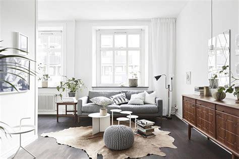 Beau Salle De Bain Style Nordique #3: sejour-scandinave-tapis-peau.jpg