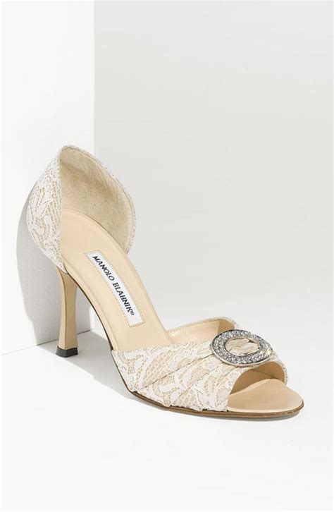 10 Prettiest Wedding Shoes by Top 20 Beautiful Bridal Shoes