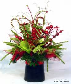 christmas top hat centerpiece floral by cabincovecreations