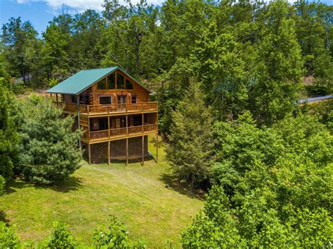 cabin rentals gatlinburg 9 cozy gatlinburg cabins for rent for your mountain