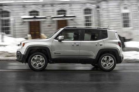 jeep honda 2016 honda hr v vs 2016 jeep renegade which is better