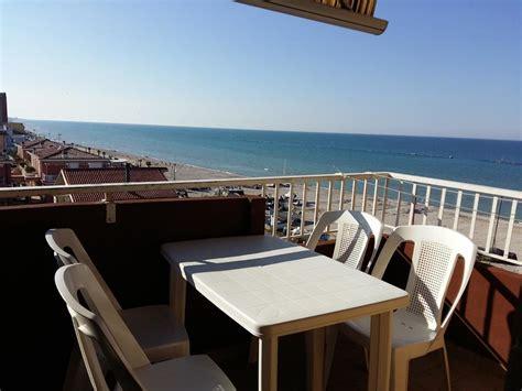 sito per prenotare appartamenti appartamento ornella al mare italia marotta booking