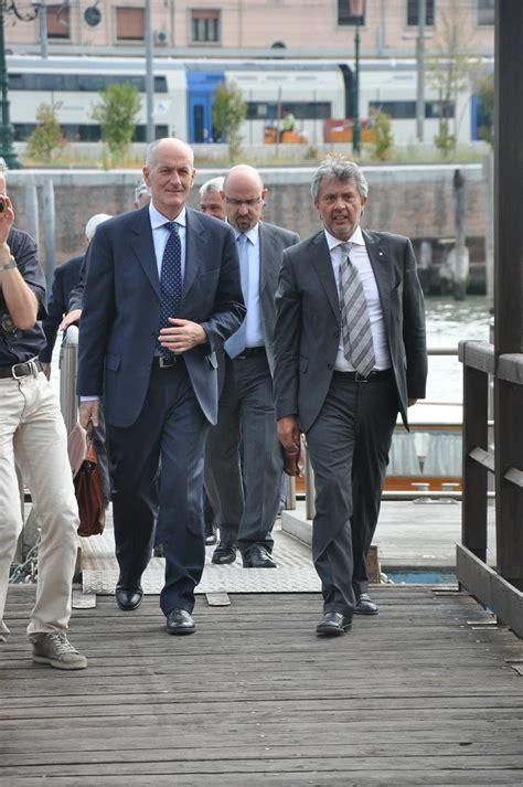 questura di pavia ufficio immigrazione il capo della poliza prefetto gabrielli in visita a venezia