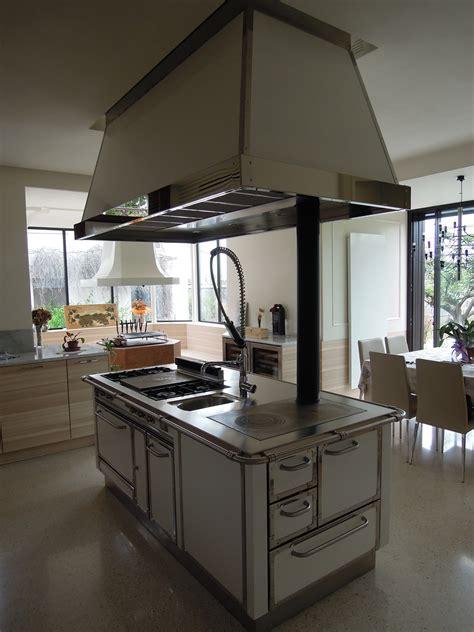 de manincor cucine cucine ricche di finiture dalla forte presenza scenica