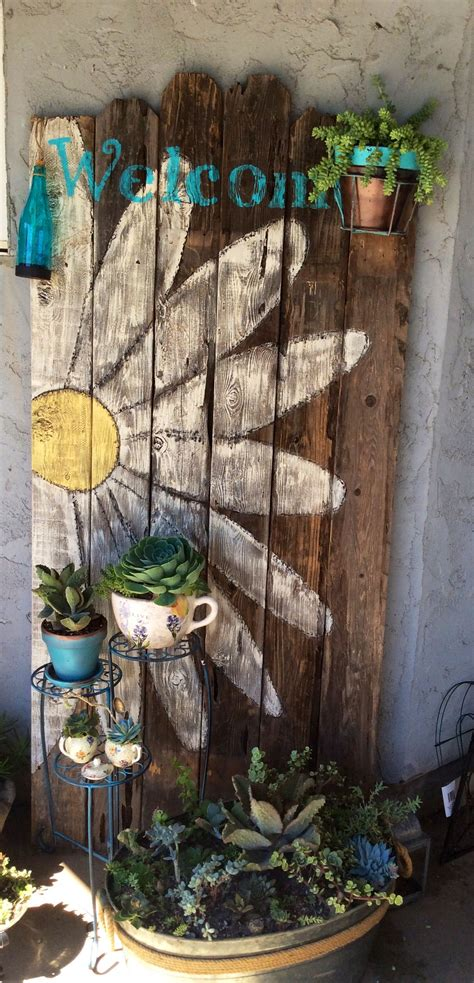 fence boards  succulents great combination fence art