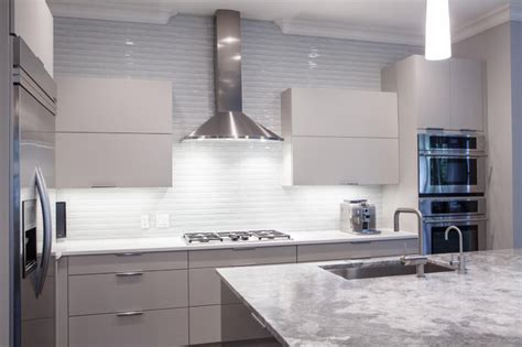 Grey Gloss Kitchen Cabinets by Contemporary Painted Grey Kitchen With High Gloss Island