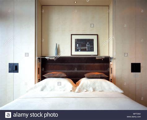 interni armadi guardaroba neutro moderno letto da letto armadi a muro