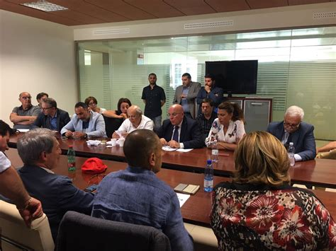 ufficio regionale lavoro calabria manifestazione lavoro incontro tra regione e