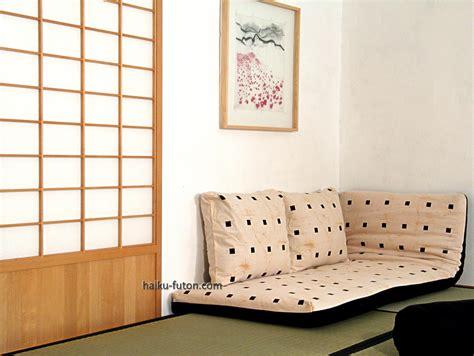 futon enrollable el tatami cl 225 sico japon 233 s y las camas japonesas de