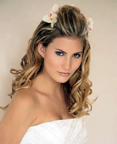hairstyle for bridesmaid long