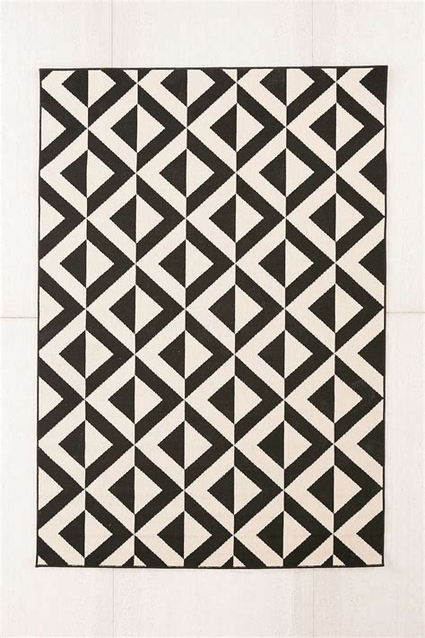 black and white indoor outdoor rug patio furniture and decor trend bold black and white