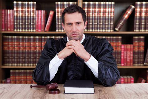 magistrat du siege devenir magistrat comp 233 tences et formation ooreka