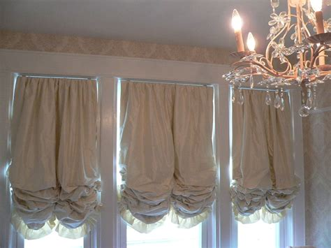 red balloon curtains how to hang balloon curtains gopelling net