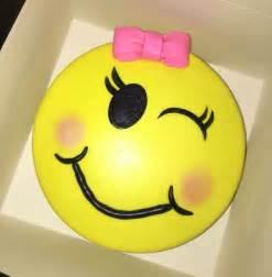 Girl emoji cake https www facebook com cups and cakes