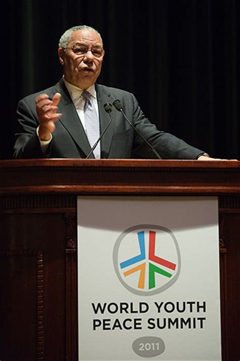 Images Of Colin Powell Mba by Colin Powell Kicks World Youth Peace Summit