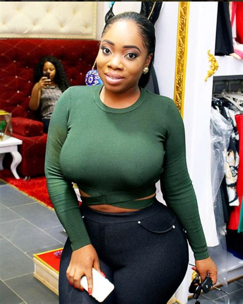 who is the big breasted black woman in liberty commercials 10 times the sexy curvaceous actress moesha boduong slayed