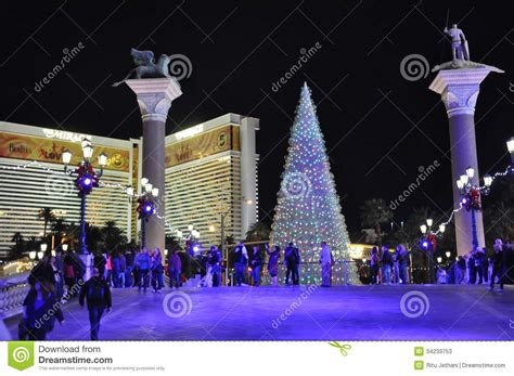 christmas at the venetian resort hotel casino in las vegas