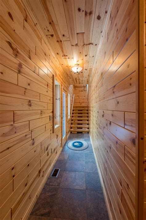 Knotty Pine Wainscot by Best 25 Knotty Pine Ideas On White Wash