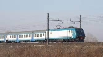 treno pavia genova traffico ferroviario bloccato a pavia in centinaia