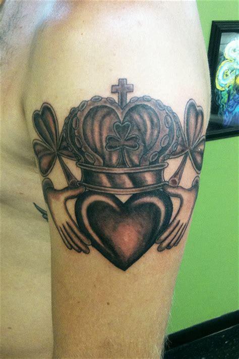 claddagh tattoos designs ideas  meaning tattoos