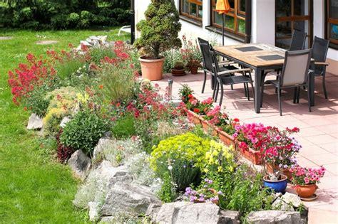 garten einfach und schön gestalten steingarten gestalten n 252 tzliche tipps ideen und beispiele