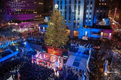 rockefeller tree lighting charitybuzz 4 vip tickets to the 2016 rockefeller center
