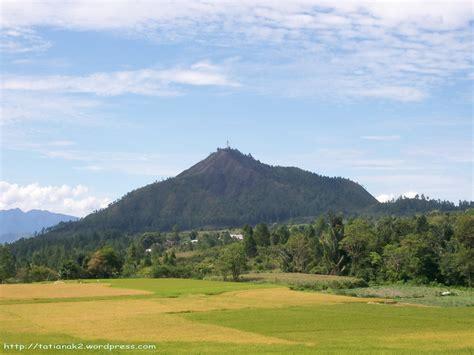 Gambar Pegunungan gambar pemandangan sawah dan pegunungan terindah