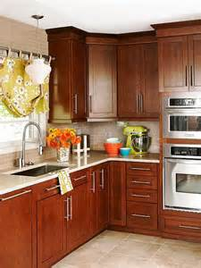 Cherry Cabinets Mainstream Beauty Rich Cherry Cabinets With Oversize