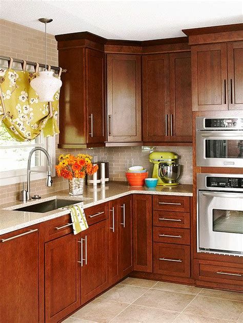 cherry kitchen cabinets 25 best ideas about cherry cabinets on pinterest cherry