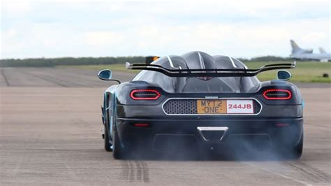 koenigsegg cars pushing the limits the insane koenigsegg one 1 hypercar just broke three