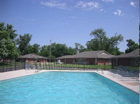 Parkwood Gardens Apartments by Parkwood Garden Apartments Rentals Bixby Ok Apartments