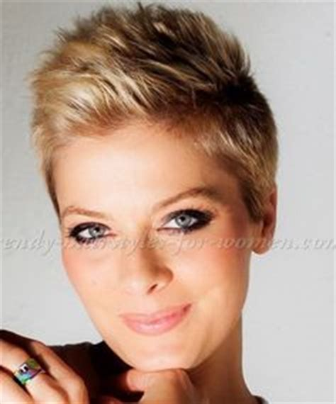korte kapsels on pinterest 33 pins 22 amazing super short haircuts for women pixie cuts