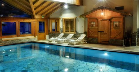 alberghi con in hotel con piscina in val di rabbi nel trentino nel parco