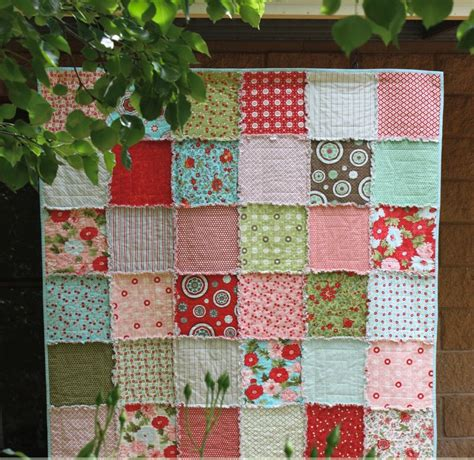Free Rag Quilt Pattern by And Cuddly Rag Quilt Favequilts