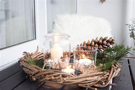 rustikale weihnachtsdeko fuer den balkon ars