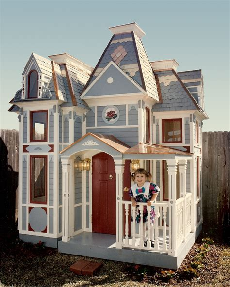 Who Plays On House by 1000 Images About Playhouses For On Kid