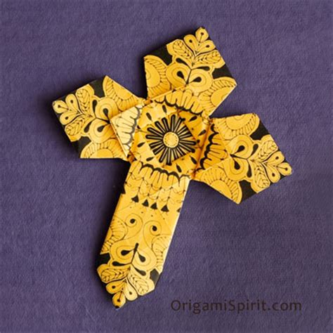How To Make A Origami Cross - how to make an origami cross version 2 of 2