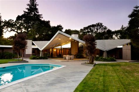 Roof With Four Sloping Sides 8 Most Popular Types Of Roofs To Choose From When Building