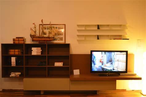 libreria da salotto libreria da salotto t030 di lema con predisposizione per