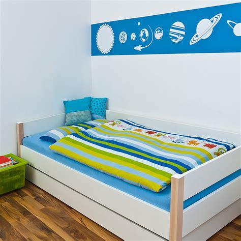 lit pour enfant 2 ans quel lit pour un b 233 b 233 de 2 ans une 233 importante